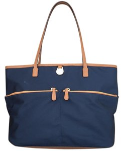 MICHAEL Michael Kors Tote in Blue with yellow interior fabric