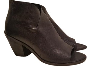 Eileen Fisher Size 11 Leather Black Boots