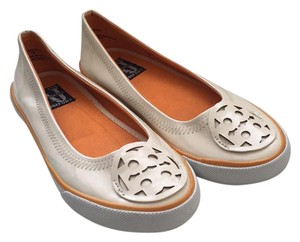 AJ. Valenci white and orange Flats