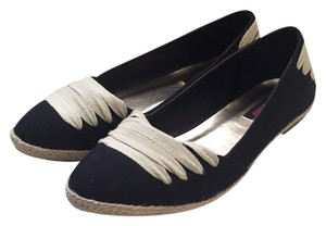 Dollhouse Black & white Flats