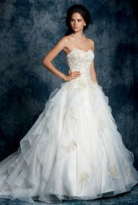 Alfred Angelo Sapphire Collection 899 Wedding Dress