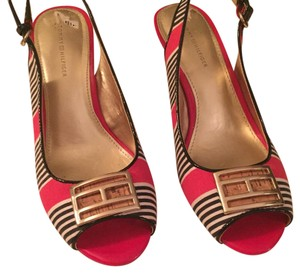 Tommy Hilfiger coral, navy, tan Wedges