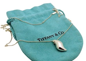 Tiffany & Co. Discontinued Tiffany Elsa Peretti Feather Necklace in Sterling Silver