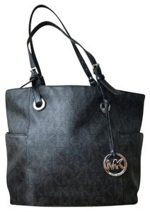 Michael Kors Leather Jet Set Tote in Black