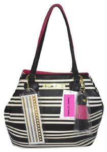 Betsey Johnson Extra Large Black Quilted Heart Tote in black/bone stripe