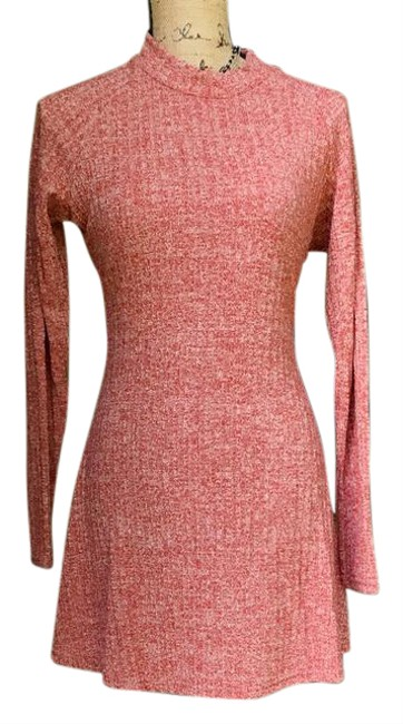 Preload https://img-static.tradesy.com/item/20843850/red-angvns-short-casual-dress-size-12-l-0-9-650-650.jpg