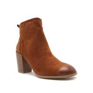 Qupid Chestnut Boots