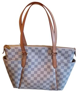 Louis Vuitton Lv Totally Damier Canvas Shoulder Bag