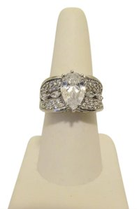 Victoria Wieck RARE Victoria Wieck Pear-Shaped Absolute Diamond Ring 8