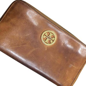 Tory Burch Robinson zip around