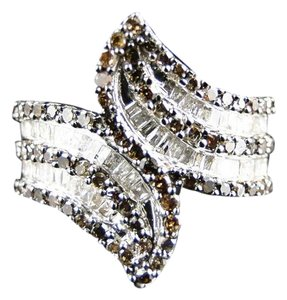 Other WHITE GOLD FINISH 20MM BROWN/WHITE DIAMOND FASHION BAND RING 1.30 CT