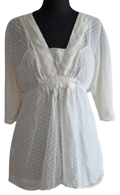 Item - Cream White Dotted V- Neck with Lining Blouse Size 10 (M)