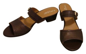 Naturalizer Leather Buckle Detail Brown Sandals