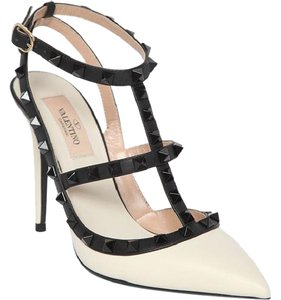 Valentino Rockstud Leather black, white Pumps
