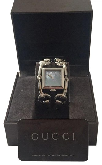 Preload https://img-static.tradesy.com/item/20848593/gucci-silver-signoria-mother-of-pearl-watch-0-2-540-540.jpg