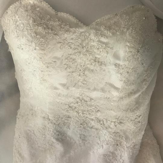 Alfred Angelo Ivory Lace Satin 801 Traditional Wedding Dress Size 8 (M) Image 10