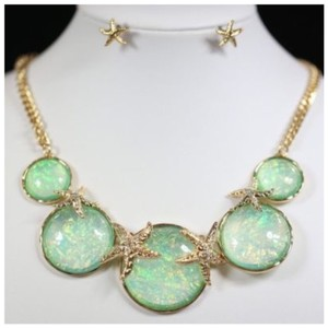 Other D5 Starfish Nacre Mint Green Texture Gold Opalescent Necklace Earring Set