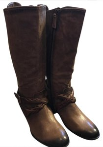 Earth Taupe Boots