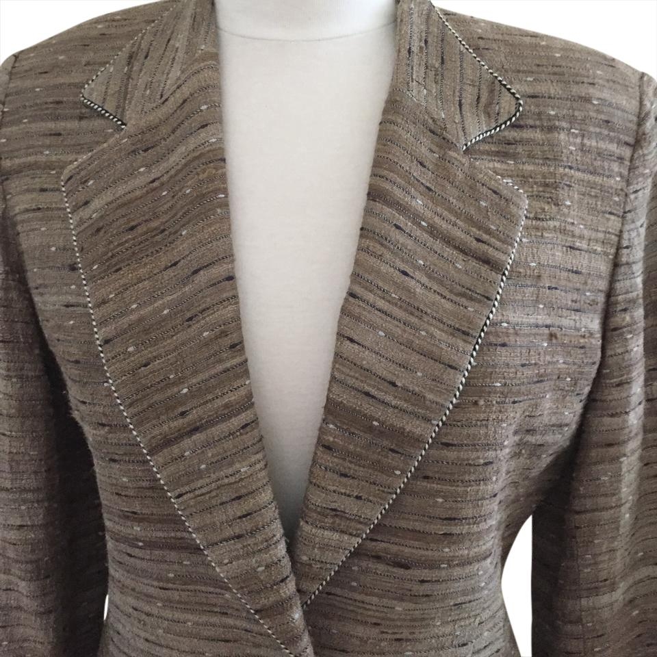 dc4449dfe38b Dior Beige Multi Vintage Christian Skirt Suit Size 8 (M) - Tradesy