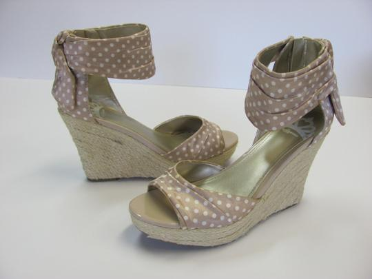 Fergalicious by Fergie Size 8.50 M Very Good Condition Neutral, White, Sandals Image 2