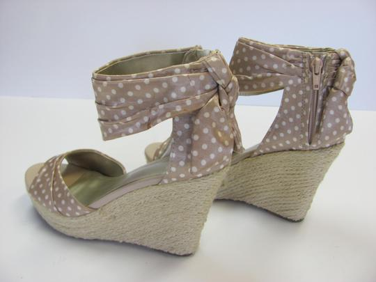 Fergalicious by Fergie Size 8.50 M Very Good Condition Neutral, White, Sandals Image 4