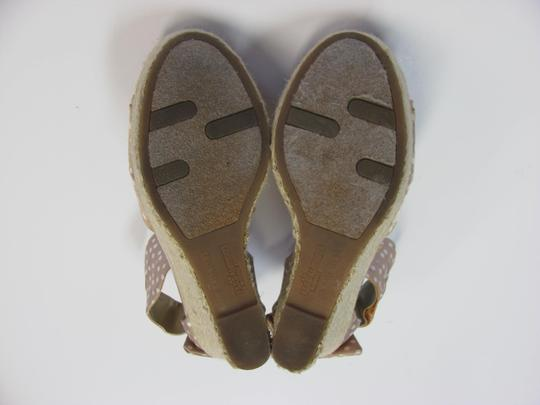 Fergalicious by Fergie Size 8.50 M Very Good Condition Neutral, White, Sandals Image 5