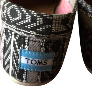 TOMS black/gray Flats