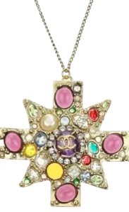 Chanel Authentic. CHANEL. Gold Multicolor Gripoix Crystal Pendant Necklace