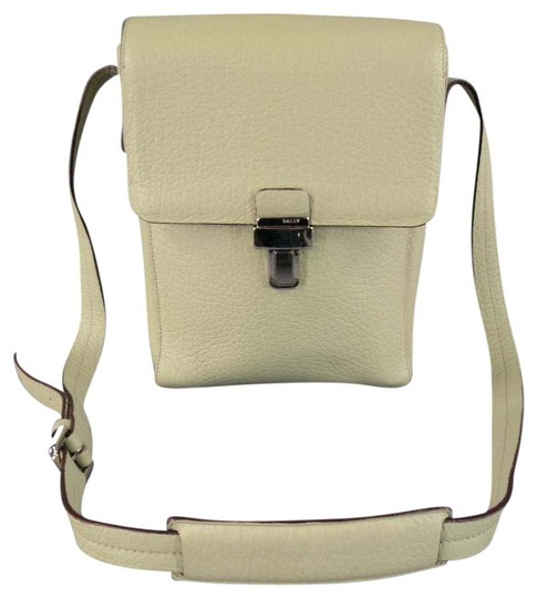 Preload https://img-static.tradesy.com/item/20850484/bally-beige-textured-silver-buckle-mint-green-leather-cross-body-bag-0-1-540-540.jpg