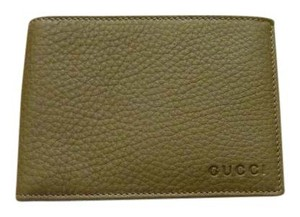 Gucci $395 GUCCI Men's 292534 Gray Textured Leather Bi-Fold Wallet Logo Text