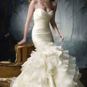 Lazaro Lazaro Wedding Dress