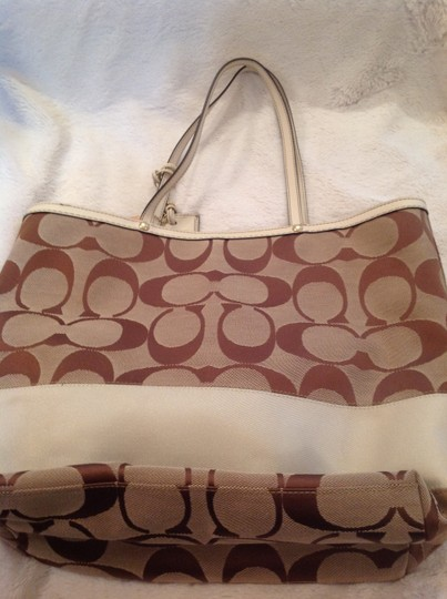 Coach Tote in Brown and cream Image 1