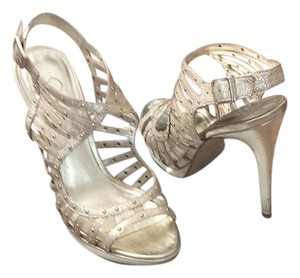 Jessica Simpson light gold Formal