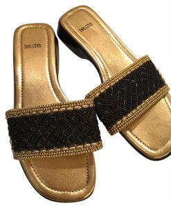 Solely Ours Flats Beaded black and gold Sandals