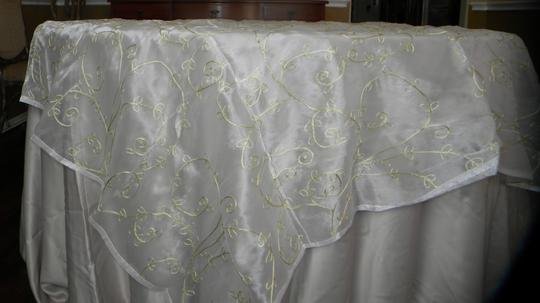 White Spring Green Vines Table Topper Tablecloth