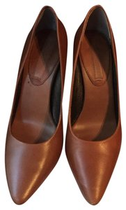 Banana Republic Leather Butterscotch Pumps