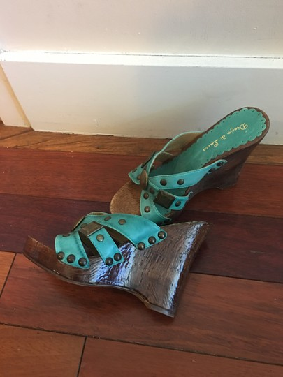 Diego di Lucca Turquoise , brown. Platforms Image 2