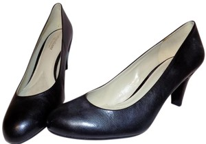 Naturalizer Bold Leather Classic Structured Comfortable Black Pumps