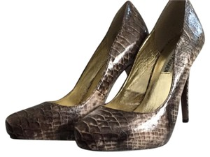 Steve Madden natural snake skin Pumps