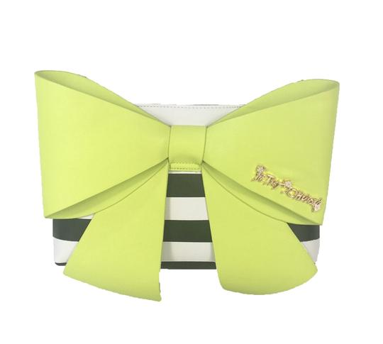 Preload https://img-static.tradesy.com/item/20852726/betsey-johnson-citron-leather-clutch-0-0-540-540.jpg
