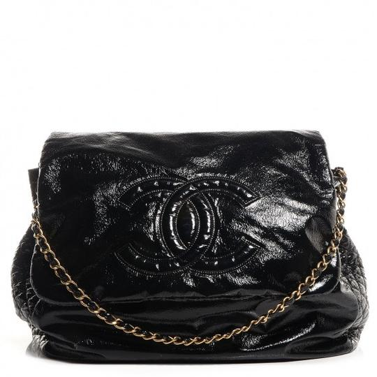 Preload https://img-static.tradesy.com/item/20853642/chanel-and-chain-black-patent-leather-tote-0-0-540-540.jpg