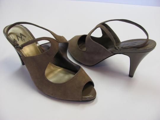 A. Marinelli Size 9.00 M Very Good Condition Light Brown, Sandals Image 1
