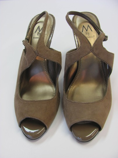 A. Marinelli Size 9.00 M Very Good Condition Light Brown, Sandals Image 4