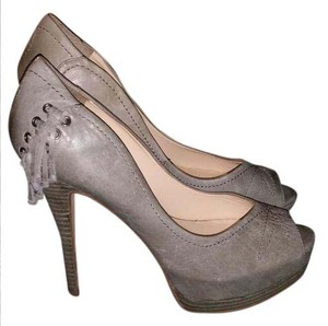 Guess Grey Pumps
