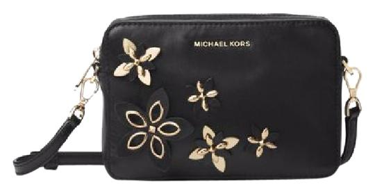 Preload https://img-static.tradesy.com/item/20854222/michael-kors-flowers-pouches-medium-camera-black-leather-cross-body-bag-0-1-540-540.jpg