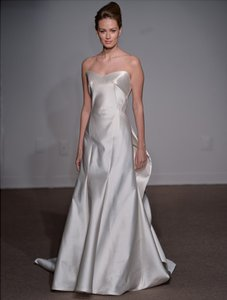 Ulla-Maija Irenee 4016 Wedding Dress