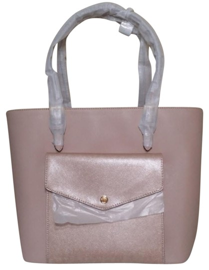 Preload https://img-static.tradesy.com/item/20854329/michael-kors-jet-set-large-center-zip-pocket-35h6mttt3l-pink-leather-tote-0-4-540-540.jpg