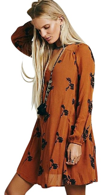 Preload https://img-static.tradesy.com/item/20854683/free-people-tobacco-emmas-embroidered-short-casual-dress-size-0-xs-0-1-650-650.jpg