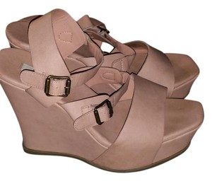 Simply Vera Vera Wang Blush Wedges