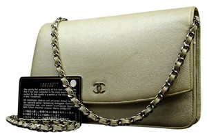 Chanel Iridescent Pearl Caviar Wallet On Chain Classic Flap 215655